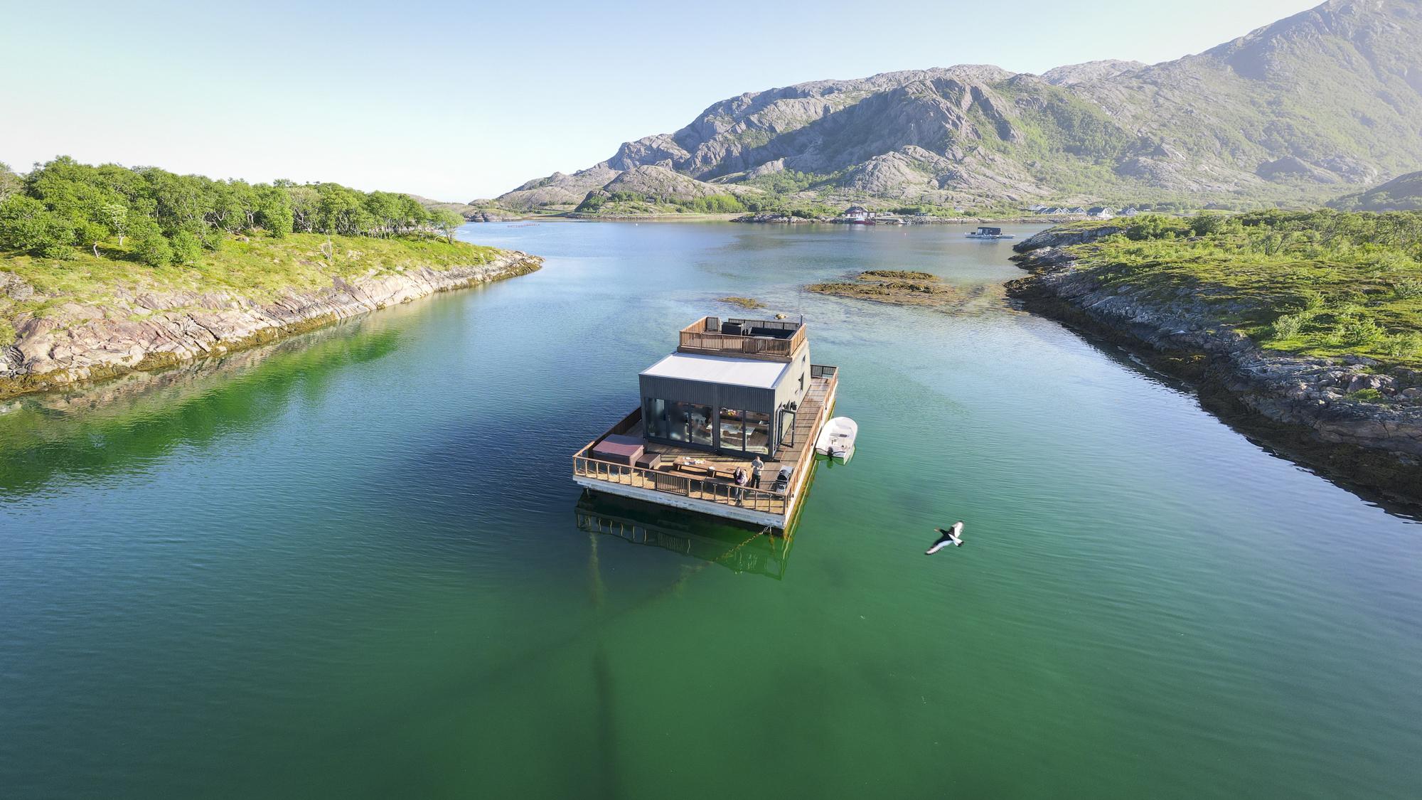Havhuset på Tomma, et idyllisk feriehus på vannet