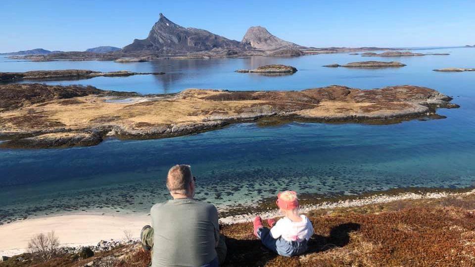 Kvarøy Sjøhus har fem sjøhus/rorbuer til utleie