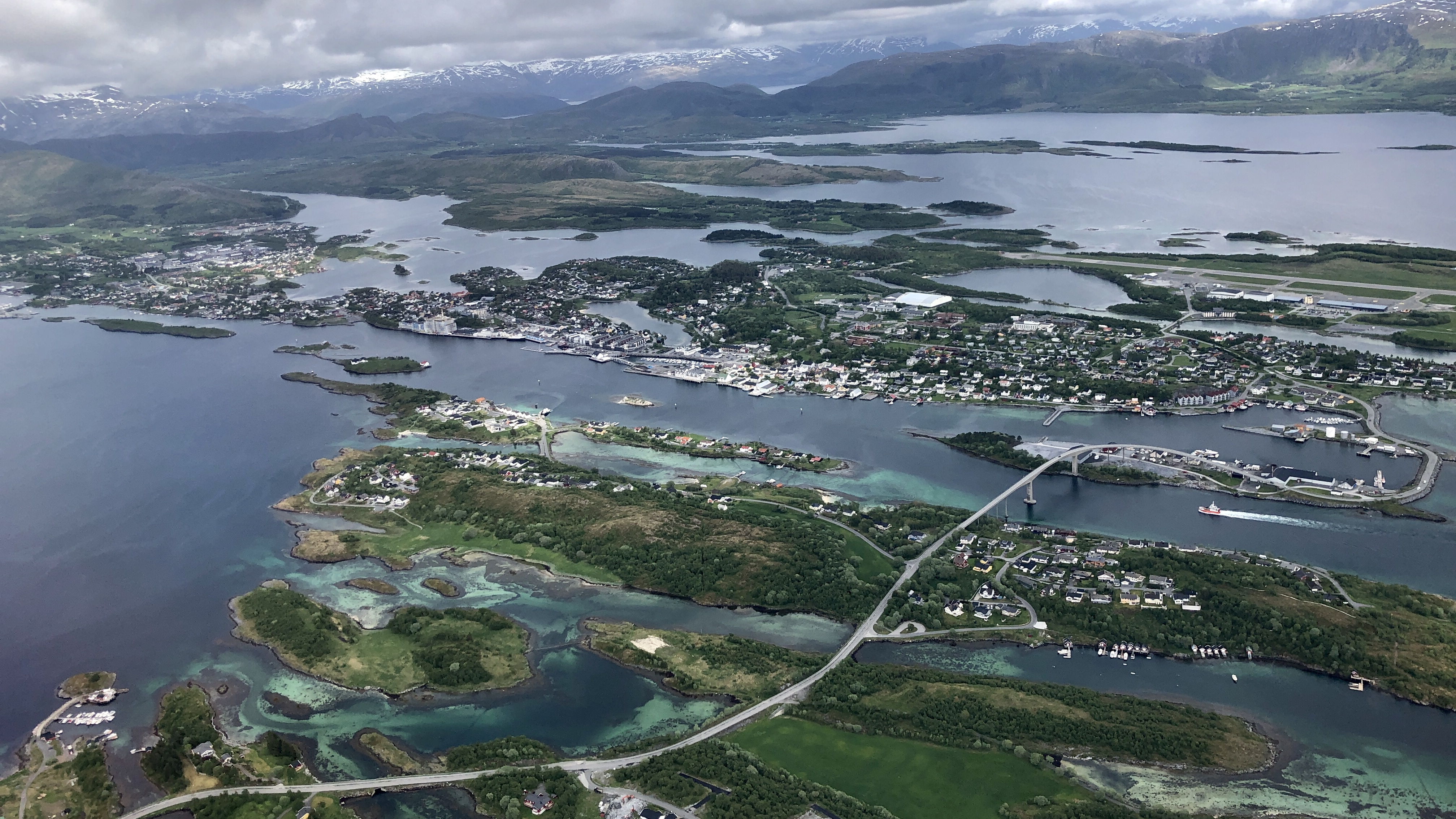 Sykkeltur til Sundsvoll på Vega, utsikt til Søla